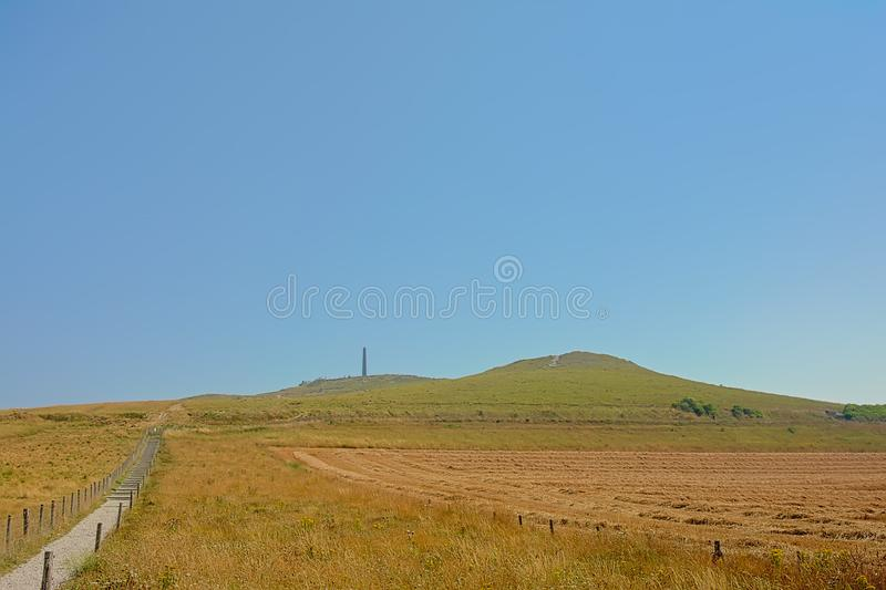 Ścieżka w kierunku nakrętki blanc nez wzdłuż poly na falezach na Francuskim Northe dennym wybrzeżu, zdjęcie royalty free