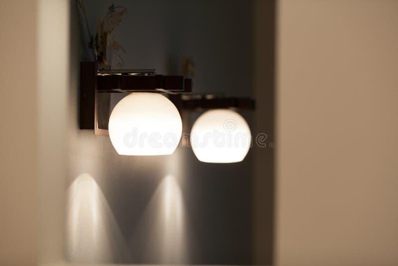 Ścienne lampy z białym cieniem zdjęcia royalty free