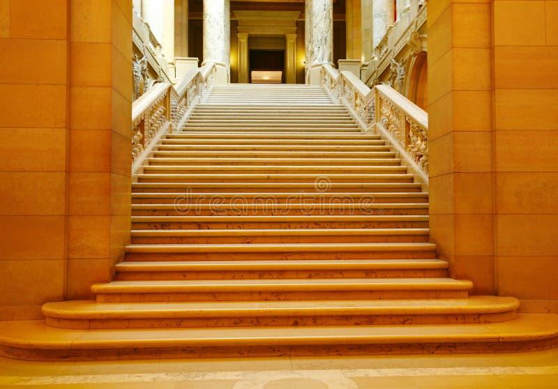 Śledzony marmurowy schody zdjęcia royalty free