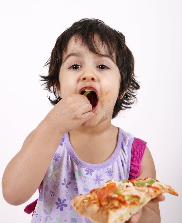 śliczna łasowania dziewczyny pizza obrazy royalty free