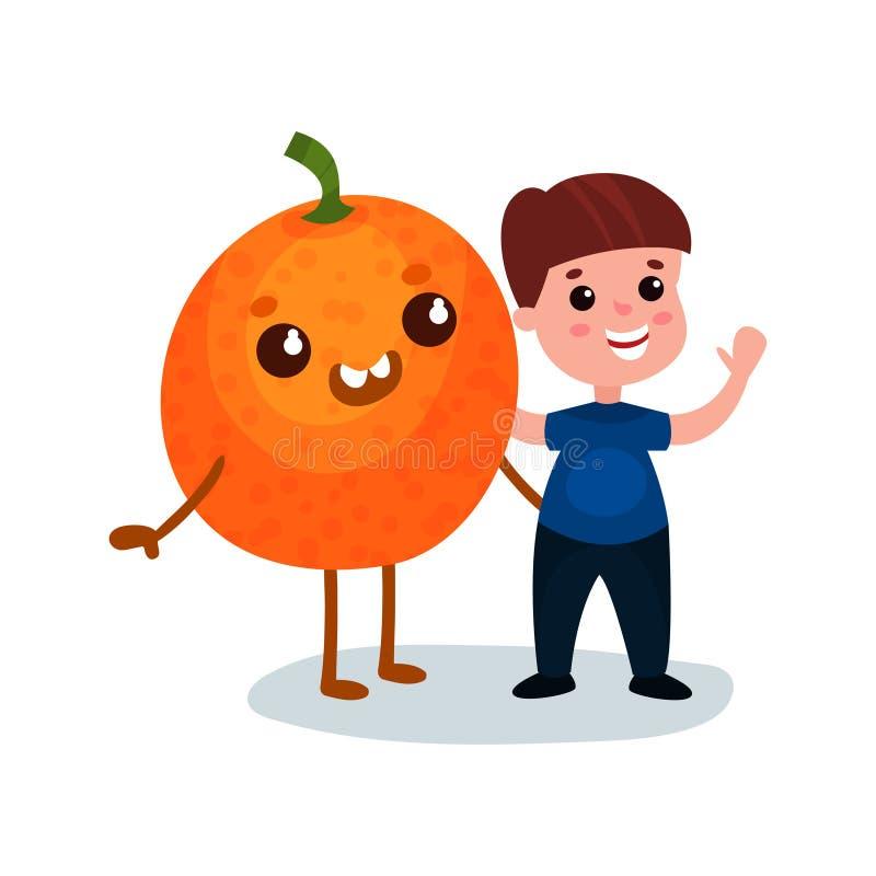 Śliczna chłopiec ma zabawę z uśmiechniętym gigantycznym pomarańczowym owocowym charakterem, najlepsi przyjaciele, zdrowy jedzenie royalty ilustracja