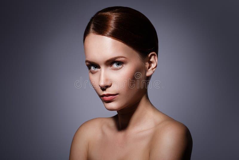Śliczna dziewczyna z piękną twarzą obraz stock
