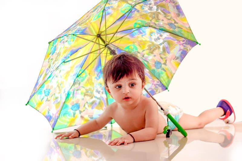Śliczna Indiańska chłopiec w pieluszce zdjęcie stock
