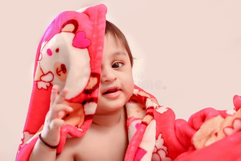 Śliczna Indiańska chłopiec w pieluszce obrazy royalty free