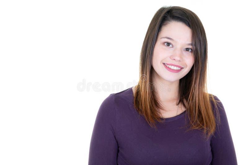 Ślicznej pięknej młodej kobiety biali teeths odizolowywający na białej tła i kopii przestrzeni obraz royalty free