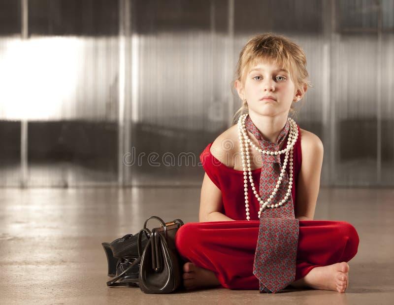 śliczni dziewczyny czerwieni potomstwa zdjęcia stock