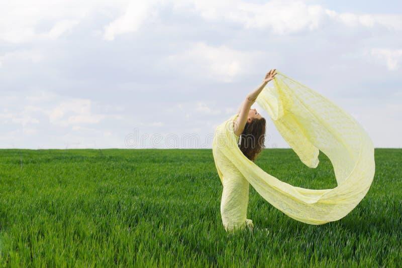 Śliczny dziewczyna taniec obraz royalty free