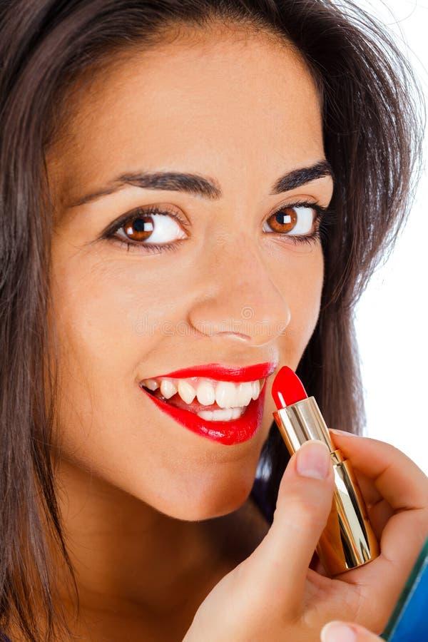 Śliczny dziewczyny kładzenie Na makijażu fotografia royalty free