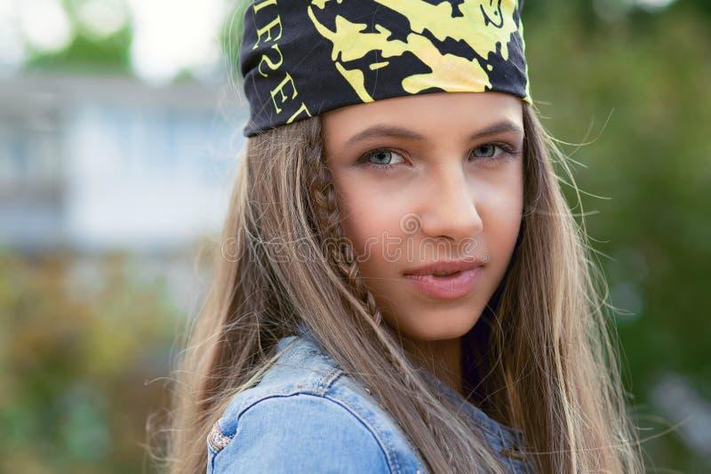 Śliczny modnisia nastolatek obraz royalty free
