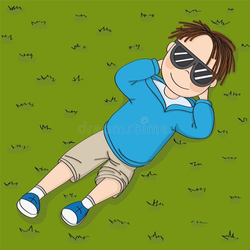 Śliczny uśmiechnięty nastoletni chłopak kłama, odpoczywa i dzień z czarnymi słońc szkłami, marzy na zielonej trawie w parku lub n ilustracji