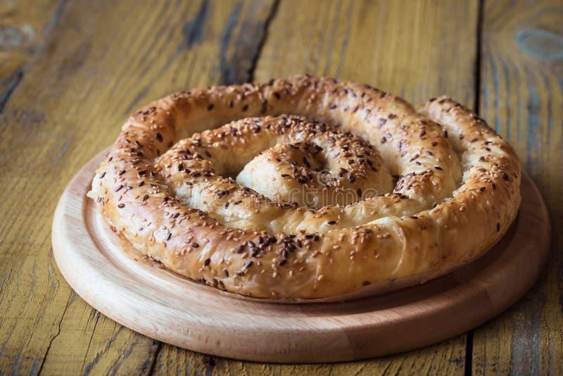 Ślimakowaty phyllo kulebiak z feta zdjęcia royalty free