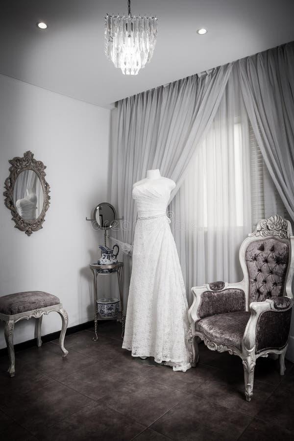 Ślubna suknia na mannequin fotografia stock