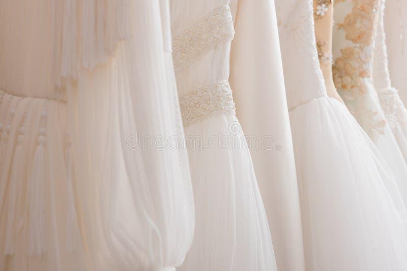 Ślubne suknie zdjęcie stock