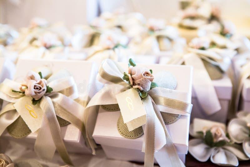 Ślubni prezenty dla gościa zdjęcie royalty free