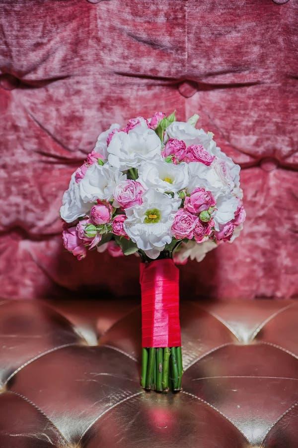 Ślubny bukiet, kwiaty, róże, piękny bukiet zdjęcie stock