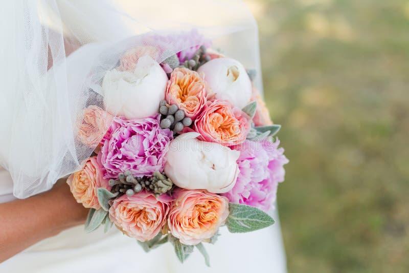 Ślubny bukiet panna młoda obrazy stock
