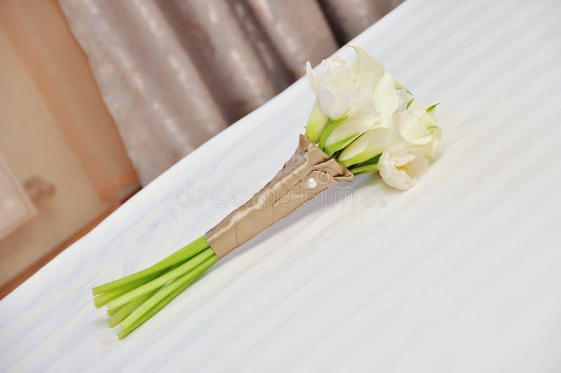 ślubny bukiet w bielu obrazy stock