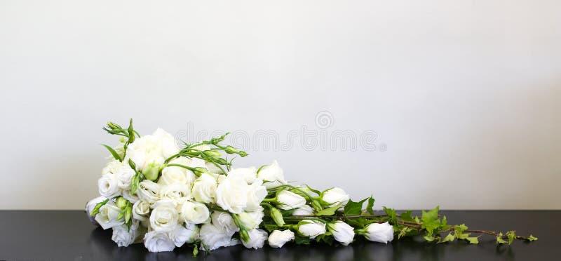 Poślubia kwiaty obrazy stock