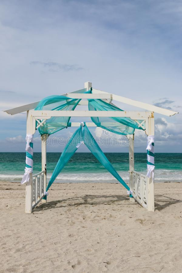 Ślubny gazebo na plaży, Kuba, Varadero obraz royalty free
