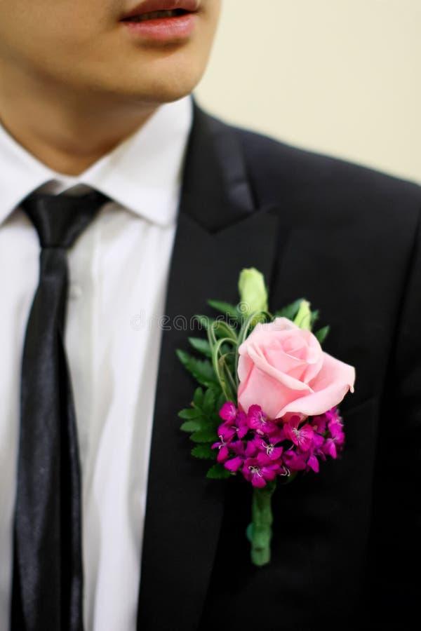 Ślubny kwiat dla nowożena zdjęcia royalty free