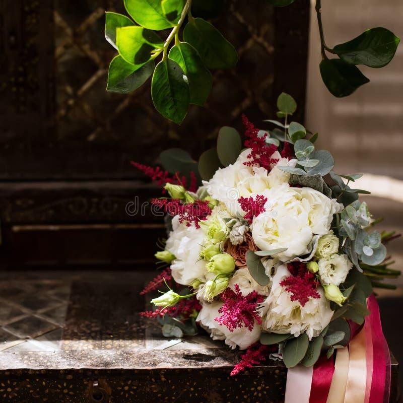 Ślubny kwiatu przygotowania, piękny światło obraz stock