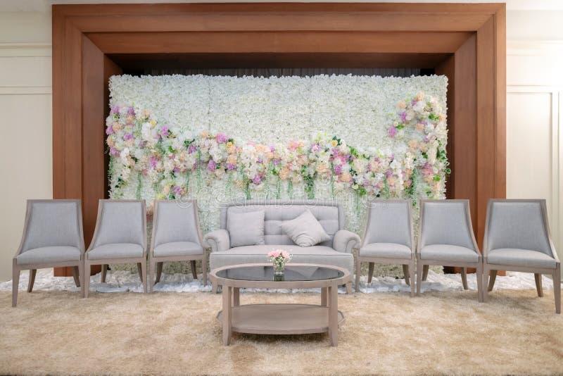 Ślubny tło z kwiatu i ślubu dekoracją zdjęcia royalty free