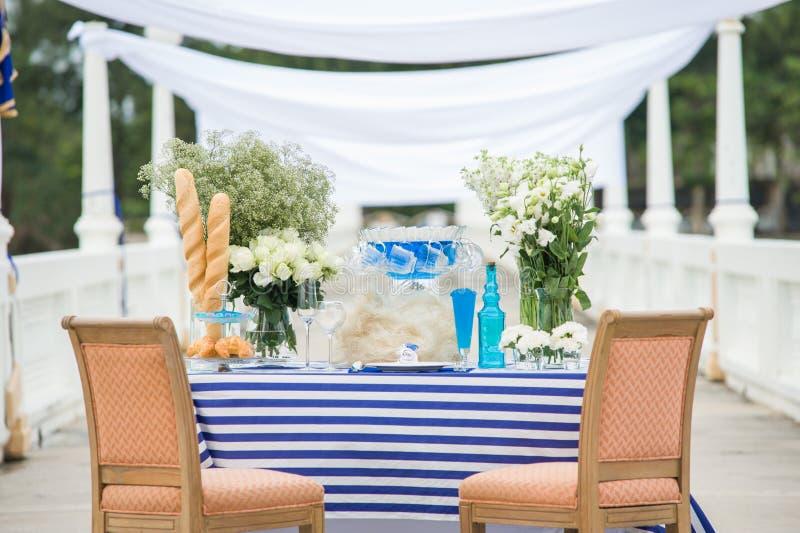 Ślubny ustawianie i Dekoruje set dla Świętuję i wydarzenia obiadowego przyjęcia fotografia stock