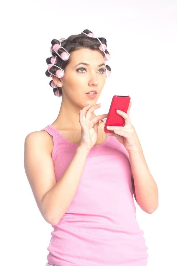 Download Śmieszna Dziewczyna Z Włosianymi Curlers Na Ona Kierownicza Obraz Stock - Obraz złożonej z makeup, piękno: 28956637