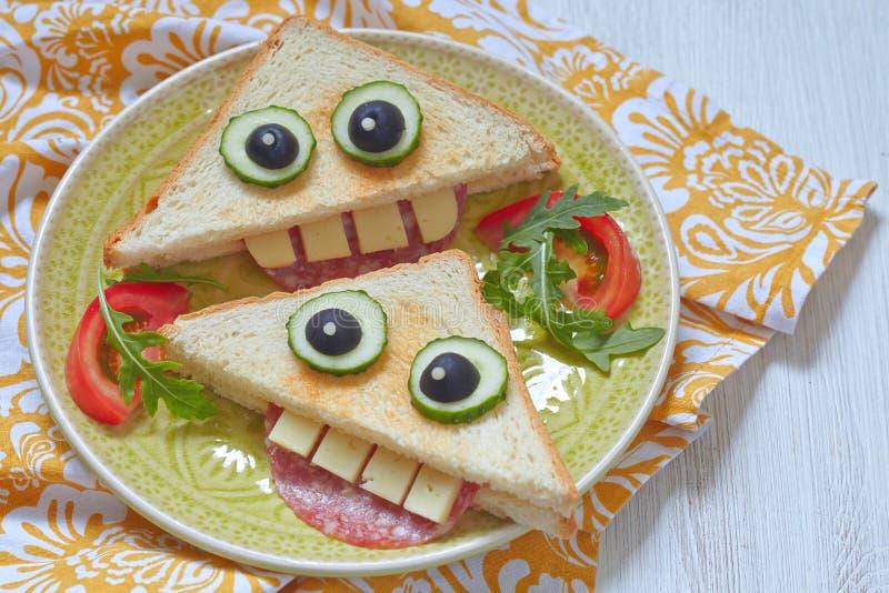 Śmieszna kanapka dla dzieciaka lunchu obrazy royalty free