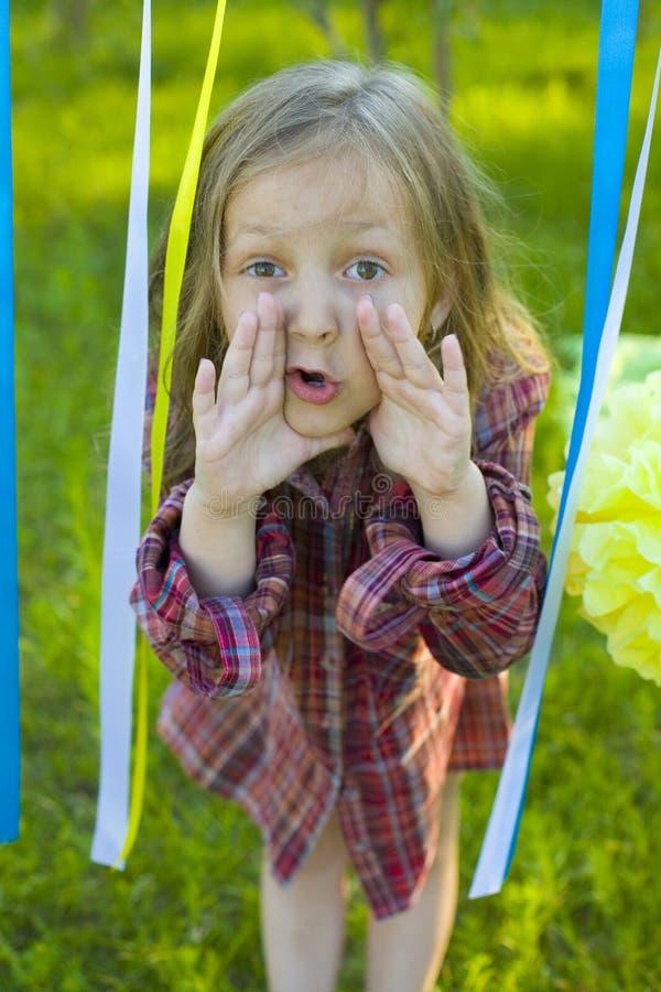 Śmieszna mała dziewczynka pięć rok obrazy royalty free
