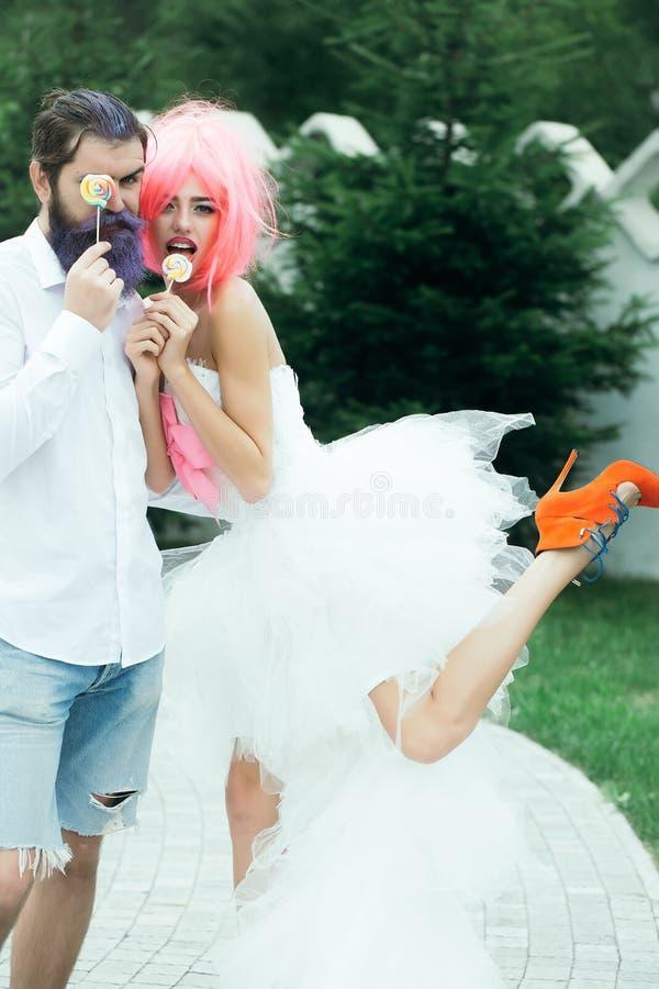 Śmieszny ślubny copule fotografia royalty free