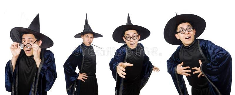 Śmieszny mądry czarownik odizolowywający na bielu zdjęcia royalty free