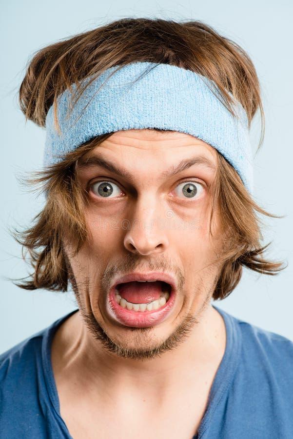 Śmiesznego mężczyzna portreta definici błękita wysokiego tła istni ludzie obraz stock