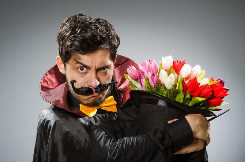 Śmieszny magika mężczyzna z różdżką obrazy royalty free