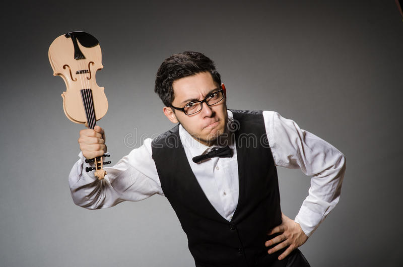 Śmieszny skrzypcowy gracz obraz stock