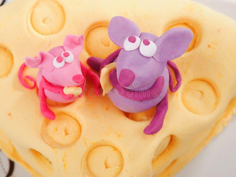 Śmieszny urodzinowy tort obrazy royalty free
