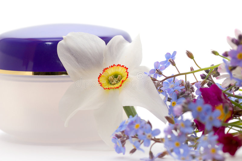 śmietanka kosmetycznych kwiaty zdjęcia royalty free