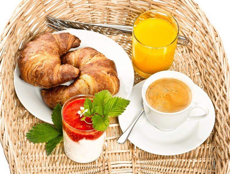 Śniadanie z kawą, croissant i sokiem pomarańczowym, obraz stock