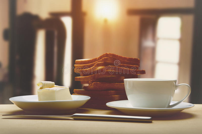 Śniadanie z kawą, grzanki, masło obraz stock
