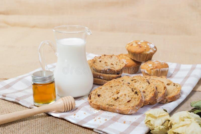 Śniadanio-lunch lub śniadaniowy stół zdjęcia royalty free