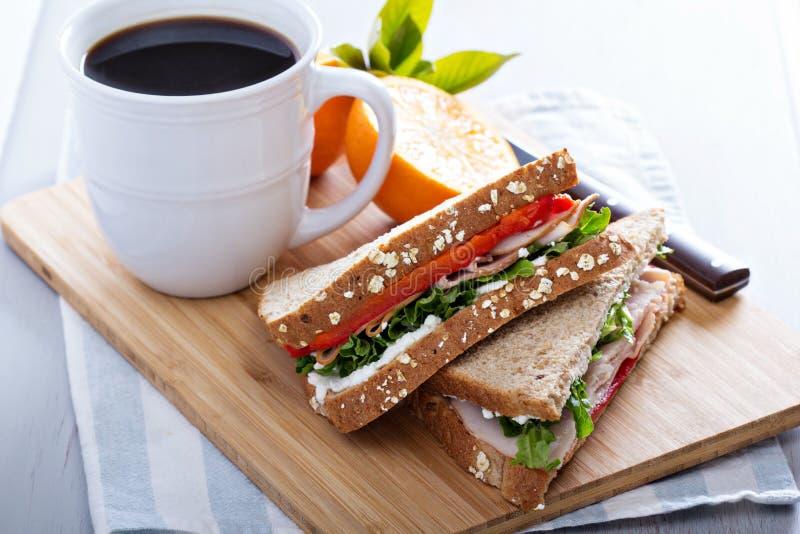 Śniadaniowa kanapka z indykiem fotografia stock