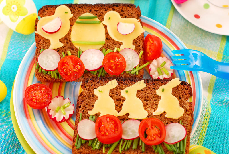 śniadaniowy dziecko Easter śmieszny zdjęcie stock