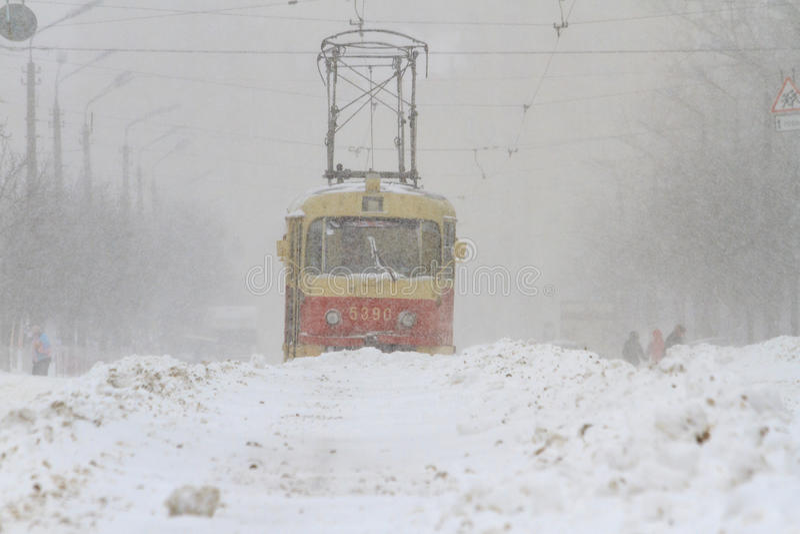 Śnieżna burza w jest tramwajem fotografia royalty free