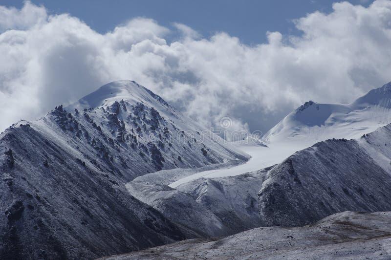 Śnieżna góra w pamirs obraz royalty free