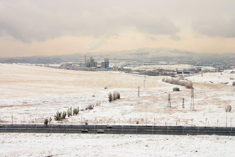 Śnieżna sceneria w strefie przemysłowej w Turcja kapitale Ankara fotografia stock
