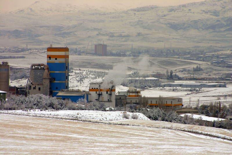 Śnieżna sceneria w strefie przemysłowej w Turcja kapitale Ankara obrazy stock