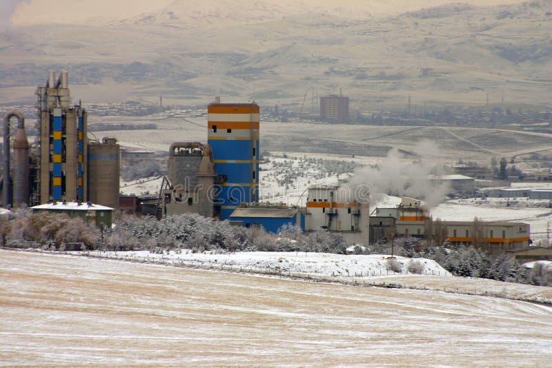 Śnieżna sceneria w strefie przemysłowej w Turcja kapitale Ankara zdjęcie stock