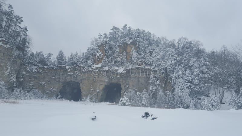 śnieżny rockowy łup zdjęcie stock