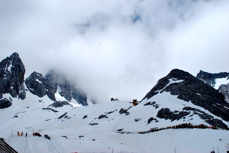 Śnieg góry i chmura obraz royalty free
