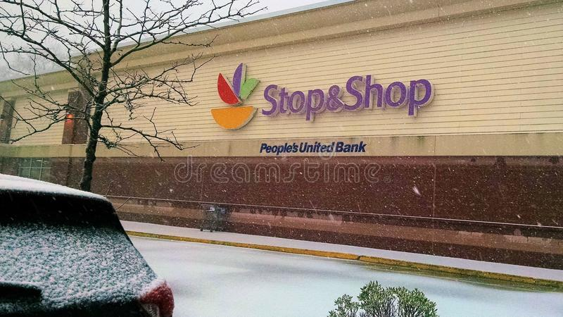 Śnieg lata w Ossining podczas Nor ` wielkanocy przy przerwą zdjęcia stock